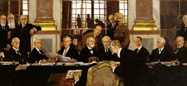 VERSAILLES-William_Orpen_-_The_Signing_of_Peace_in_the_Hall_of_Mirrors_..._0